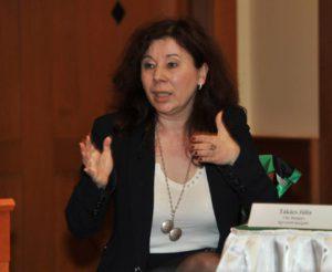Takács Júlia CSR Mátrix ügyvezetője Cty Reggeli 2013